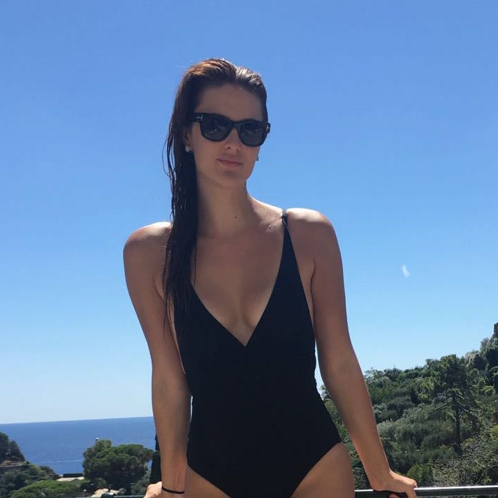 caroline-byron-vacation-swinsuit